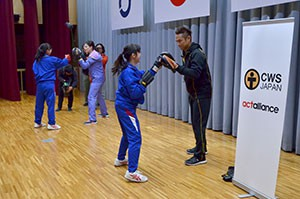 CWSJapan-大玉中学校でのボクササイズ講座1